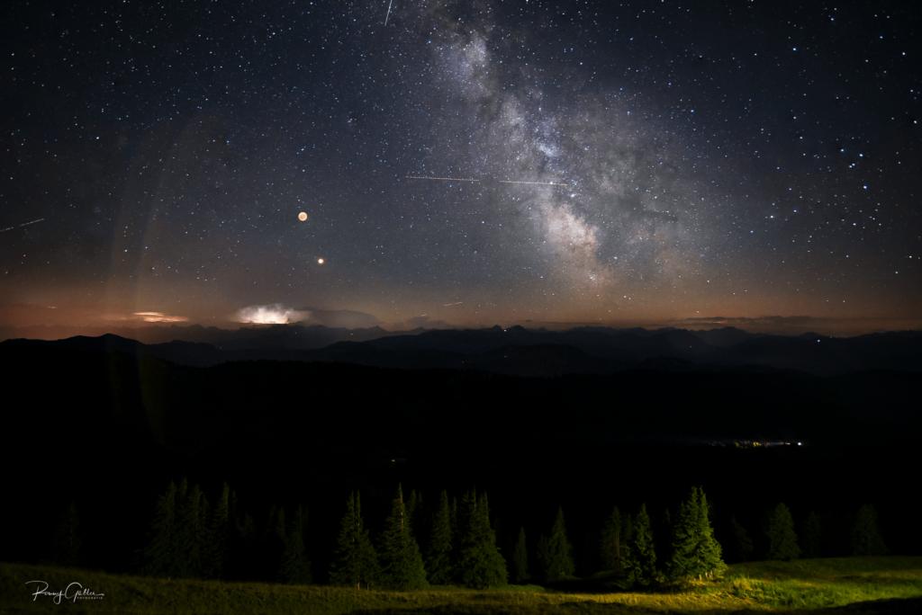Milchstraßen Bild mit Blutmond